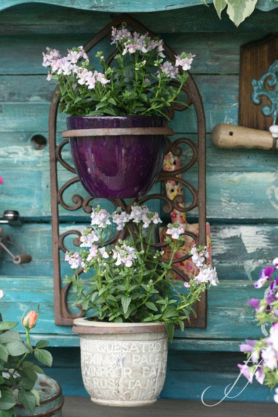 Ein pflanztisch aus alten paletten shabby chic im garten for Idee giardino shabby